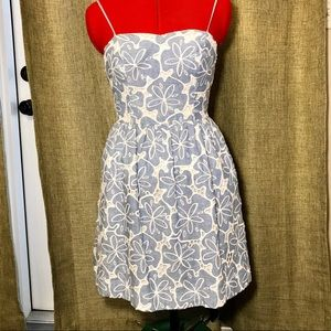 Lily Pulitzer size 00 dress with side pockets